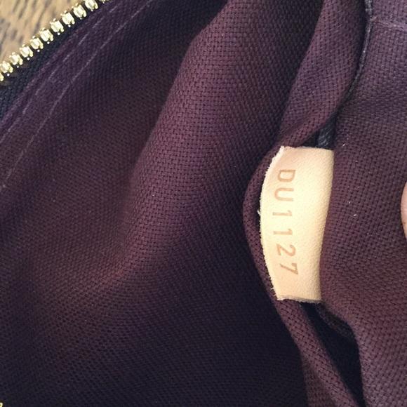 b0611d8ba28b Louis Vuitton Handbags - Louis Vuitton Berri PM